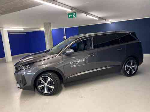 PEUGEOT 5008 1.2PureT Road Tr EAT